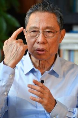 Akateemikko Zhong Nanshan (kuva 5)